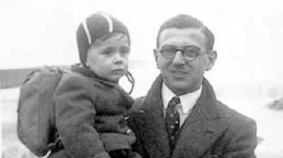 Nicholas Winton holding child
