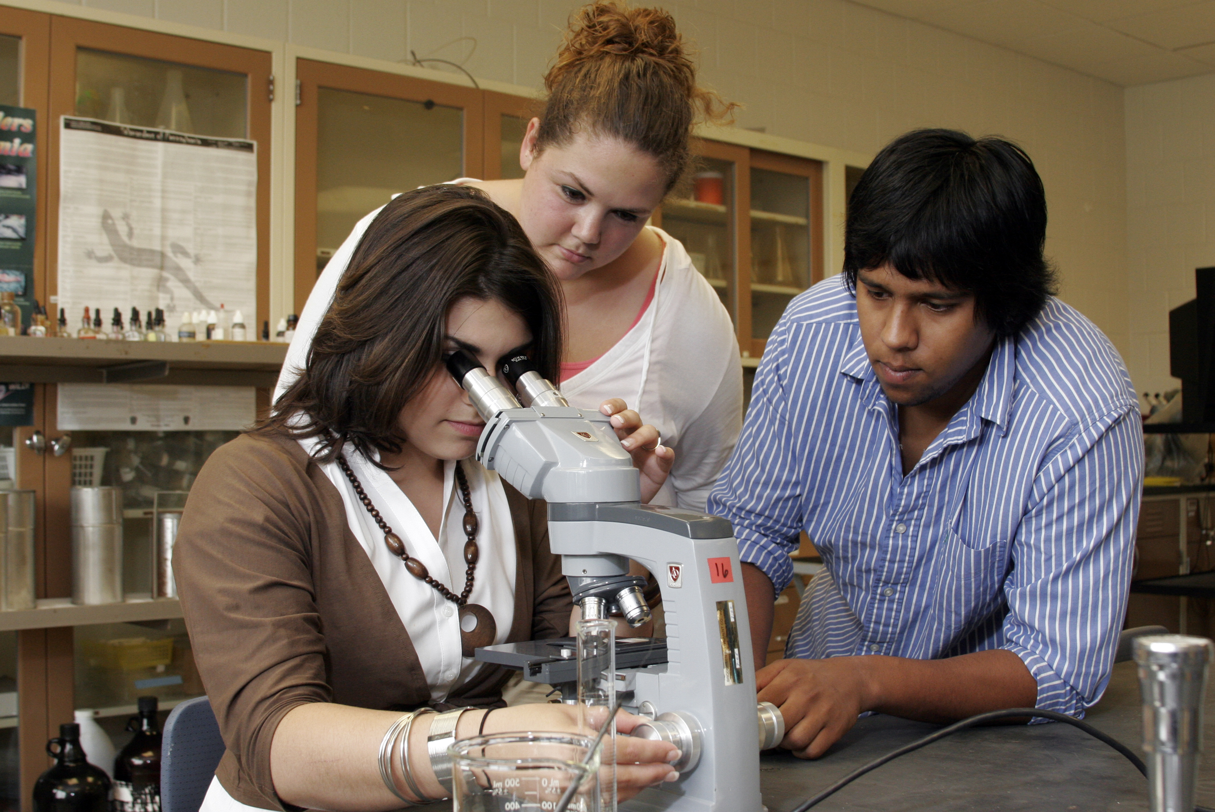 Oregon colleges work to provide science career opportunities to underrepresented students