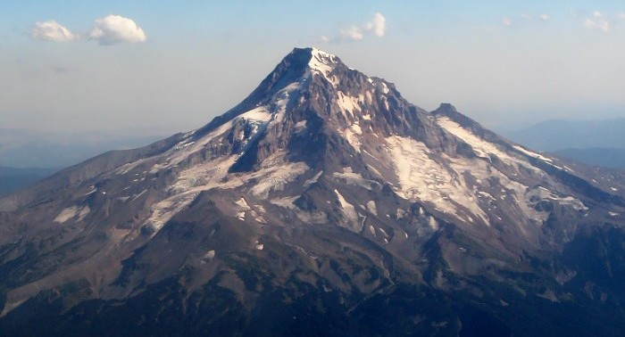 Climber rescued on Mount Hood