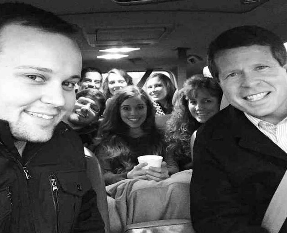 duggars dating 2015 In an appearance on the today show in 2015, duggar  swanson is a childhood friend of the duggar family,  a fan page speculated that they had begun dating.