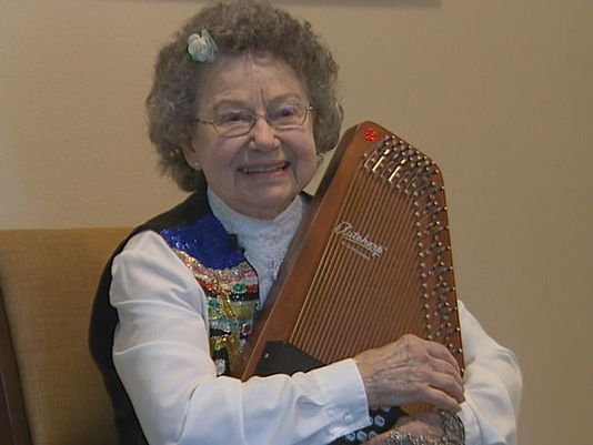 90-year-old singer wants to encourage others on Tonight Show