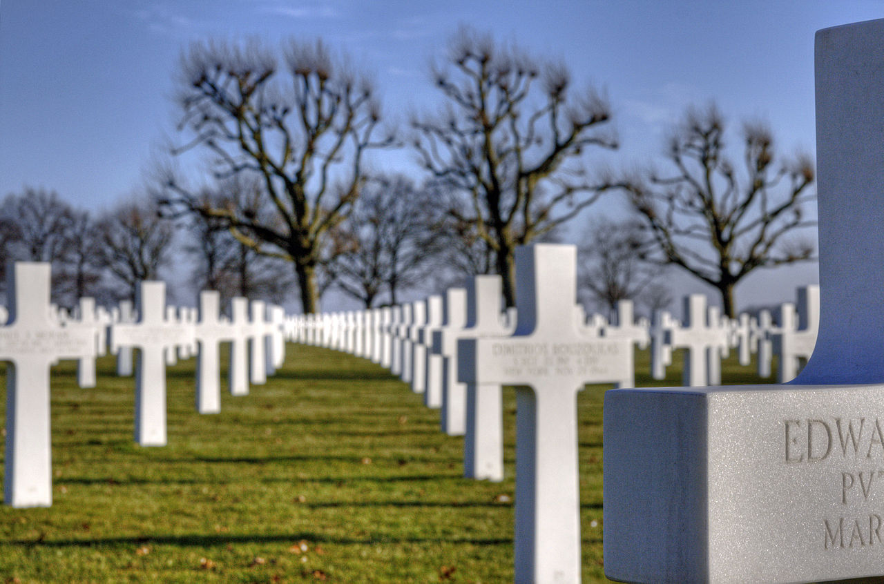 Dutch Care for Graves of American Soldiers in the Netherlands