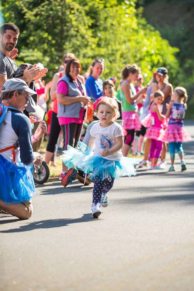 Tutu fun run in Hood River remembers Lila May, helps others