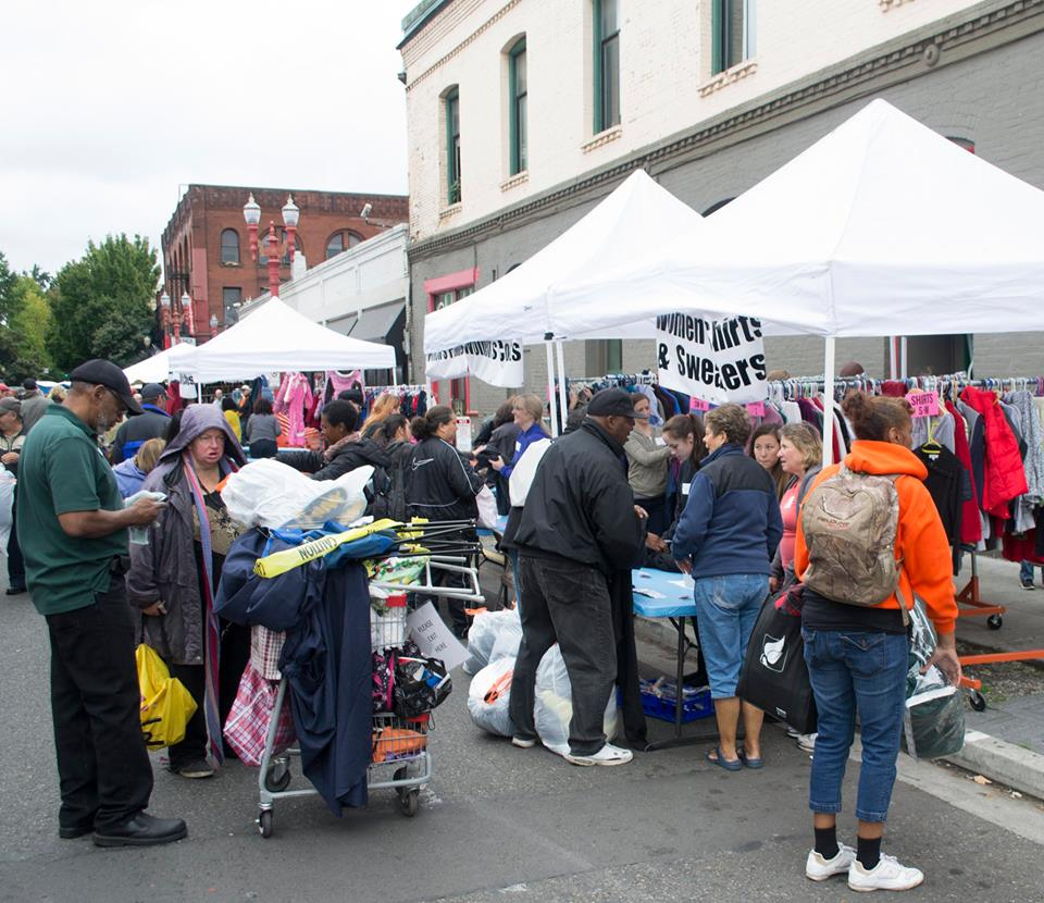 Operation Overcoat provides meals and clothing for thousands of homeless in Portland