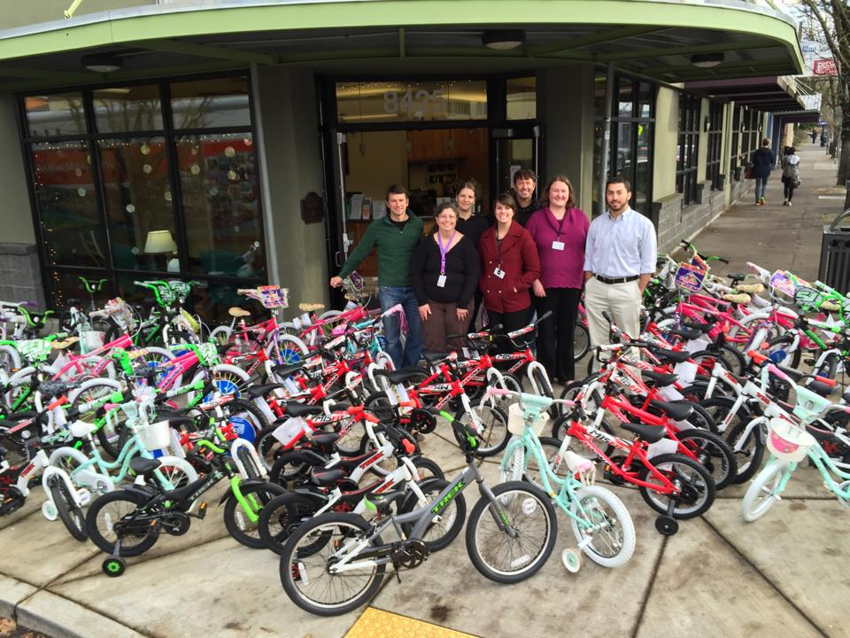 Christmas Eve run provides bikes for needy Portland kids