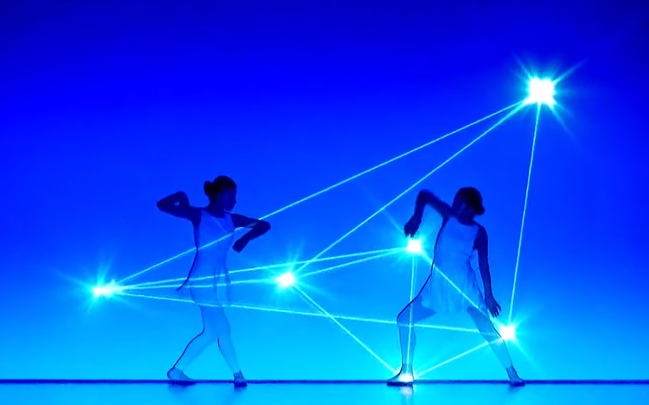 Mesmerizing video combines dance and light in a way that will blow your mind