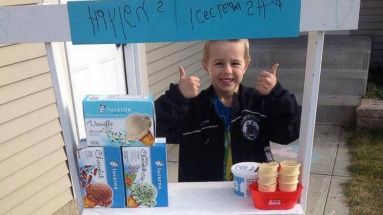 5-year-old builds ice cream stand to raise money for charity