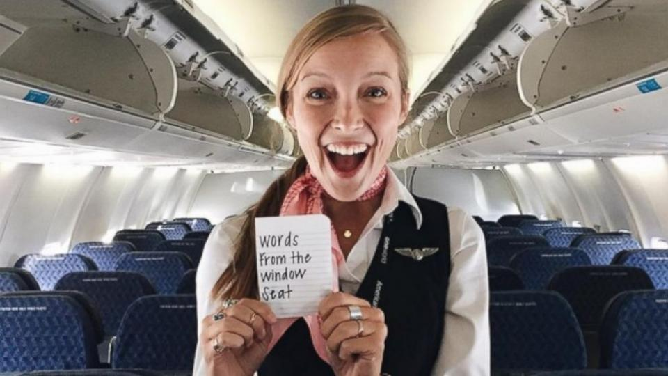 Flight attendent leaves encouraging notes to passengers