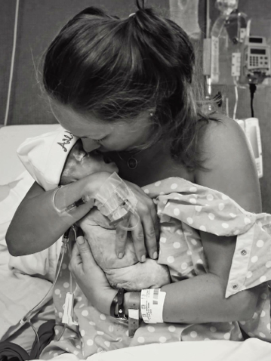 OB/GYN Embraces Pregnancy After Learning She Will Lose Her Baby