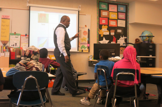 Portland begins dual-language Somali classes