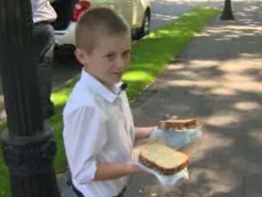Young boy with diabetes and cystic fibrosis gives weekly to the homeless in Portland