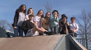 Teenage Skateboarders befriend a 5-year-old with autism